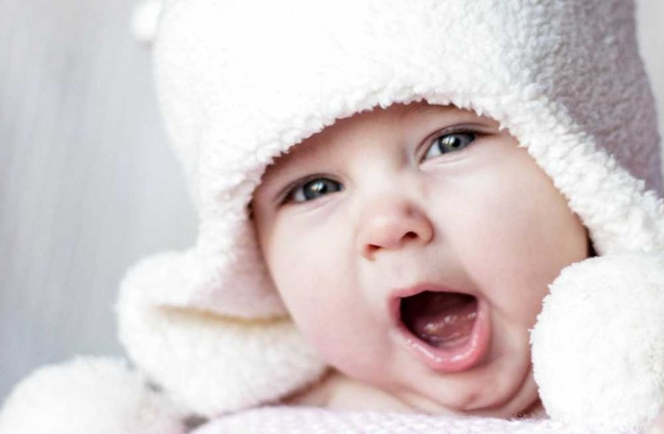 Baby-Portrait-Photography_Yawn_low-750x490